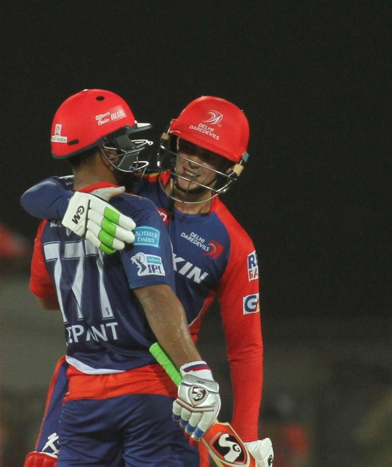 Delhi Daredevils thrash Gujarat Lions by 8 wickets,Delhi Daredevils thrash Gujarat Lions,Delhi Daredevils vs Gujarat Lions,Delhi Daredevils,Gujarat Lions,Rishabh Pant,Quinton de Kock,Indian Premier League,Indian Premier League 2016,Indian Premier League 9