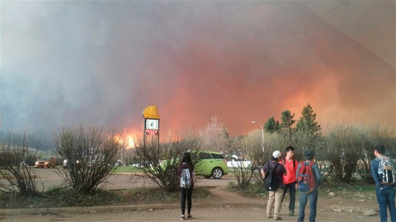 Wildfire,Wildfire rages in Fort McMurray,Wildfire in Fort McMurray,Fort McMurray,Canada's oil sands