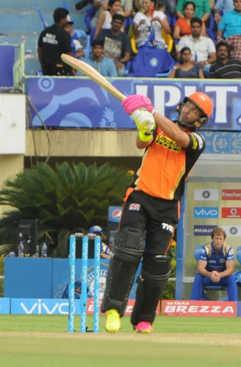 Sunrisers Hyderabad trash Mumbai Indians,Sunrisers Hyderabad beat Mumbai Indians,Sunrisers Hyderabad,Mumbai Indians,Shikhar Dhawan,Indian Premier League,Indian Premier League 2016,Indian Premier League 9,IPL 2016