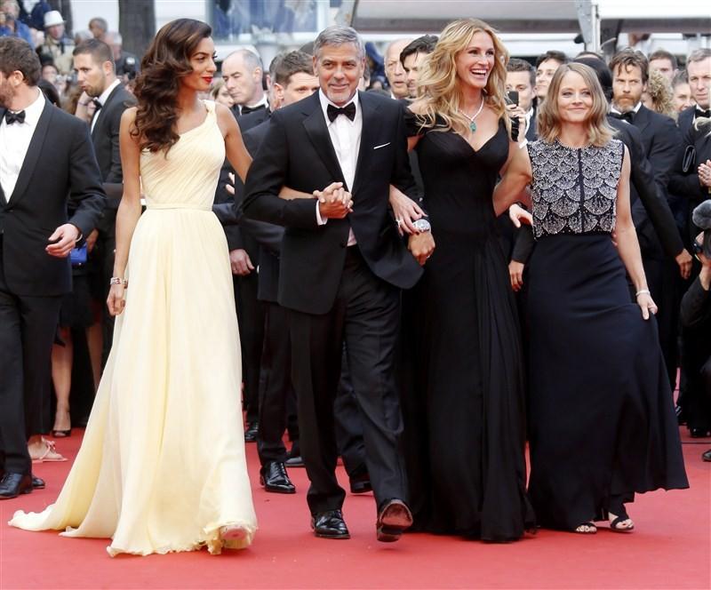 Barefoot Julia at Cannes,Barefoot Julia,Money Monster,Julia Roberts,Jodie Foster,Pierre Lescure,Cannes,Cannes Film Festival