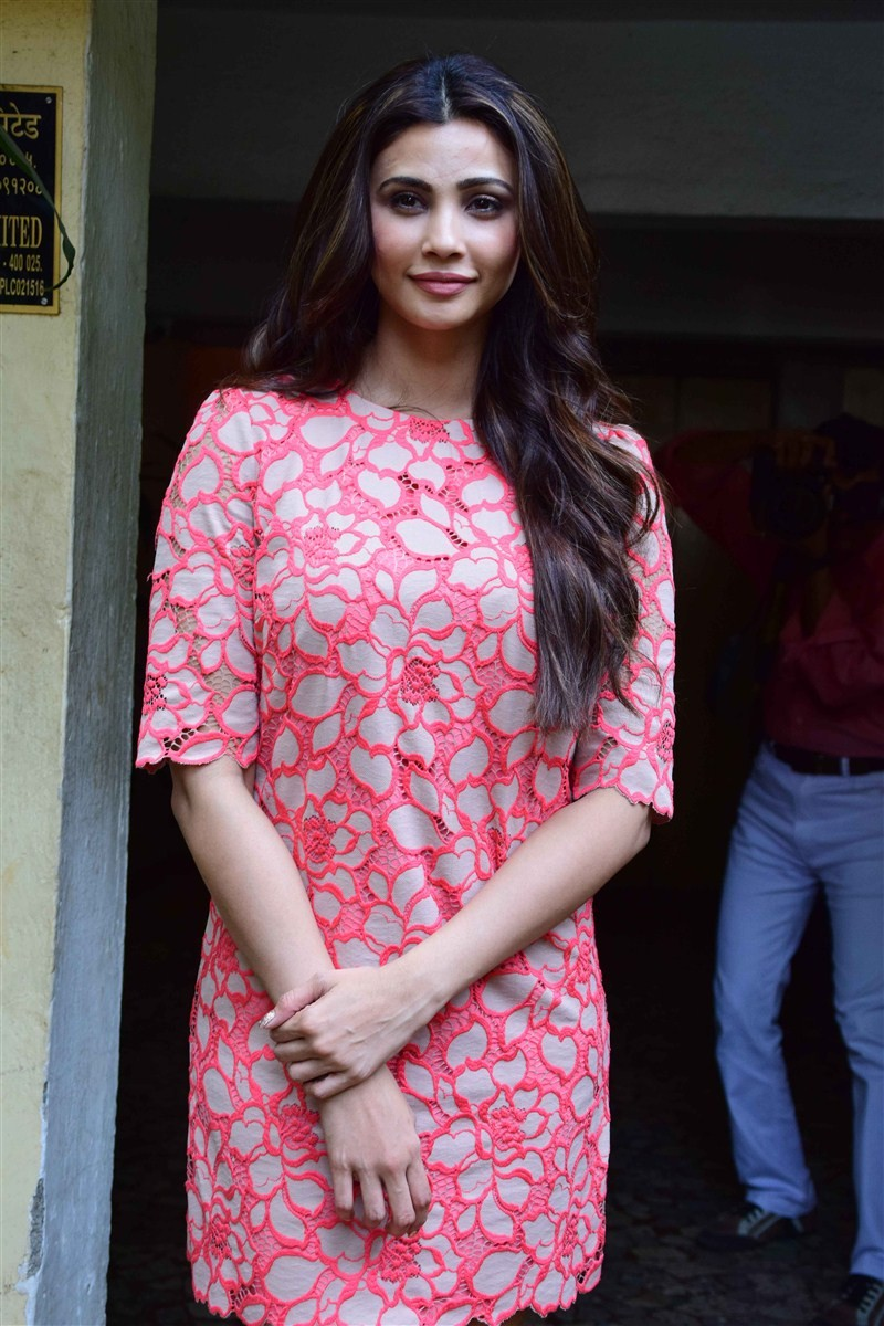 Daisy Shah,Daisy Shah unveil the May 2016 issue of Savy Magazine,Daisy Shah on Savy Magazine,Savy Magazine,actress Daisy Shah,Daisy Shah pics,Daisy Shah images,Daisy Shah photos,Daisy Shah stills,Daisy Shah pictures