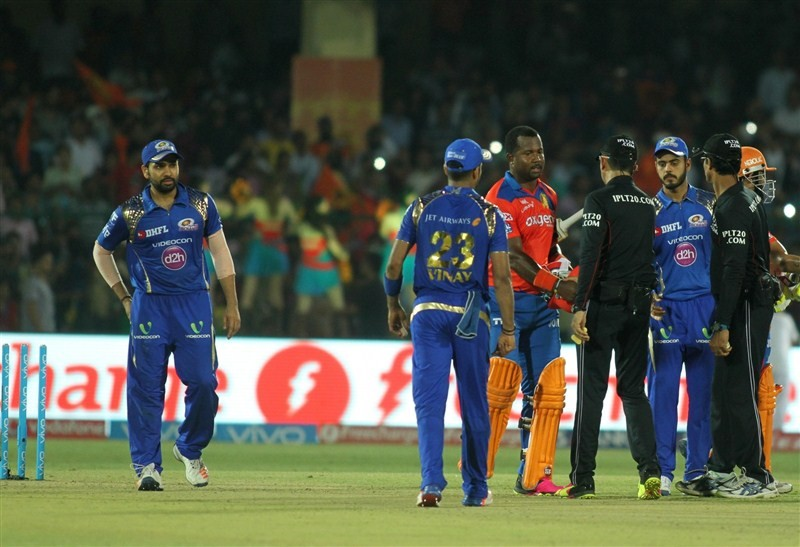 Gujarat,Gujarat outclass Mumbai,Gujarat beats Mumbai,Gujarat trash Mumbai,Suresh Raina,Indian Premier League,Indian Premier League 2016,Indian Premier League 9,IPL,IPL 2016,IPL 9,IPL pics,IPL images,IPL photos