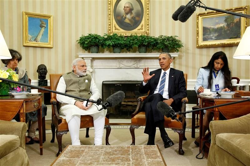 Narendra Modi,Barack Obama,Prime Minister Narendra Modi,US President Barack Obama,Modi and Obama,Modi and Obama pics,Modi and Obama images,Modi and Obama stills,Modi and Obama pictures,Modi and Obama photos