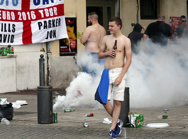 Euro 2016,Marseille locals and England fans,Marseille locals,England fans,Euro 2016 tournament,France