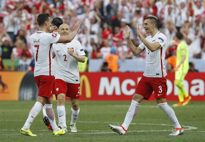 Euro 2016,Poland beat Northern Ireland,Poland,Northern Ireland,Arkadiusz Milik,Euro football championship,Euro football,Euro 2016 pics,Euro 2016 images,Euro 2016 photos,Euro 2016 stills,Euro 2016 pictures