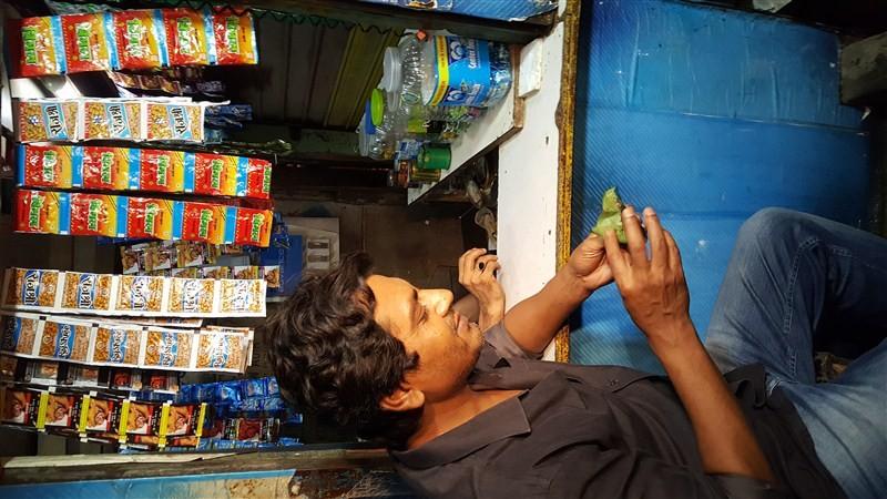 Nawazuddin,Ramana,Raman Raghav 2.0,Nawazuddin turns Ramana,Raman Raghav fever,Nawazuddin Siddiqui,Anurag Kashyap,Raman Raghav 2.0 promotion,Raman Raghav 2.0 movie promotion
