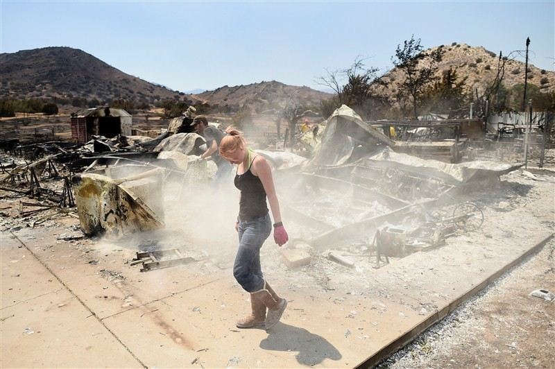 California's deadly Erskine wildfire,Erskine wildfire,massive wildfire,wildfire in Kern,California wildfire,california wildfire update,california wildfire injuries,California wildfire pics,California wildfire images,California wildfire photos,Califor