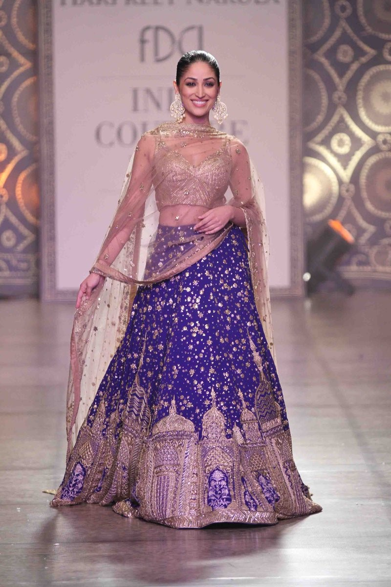 Bollywood diva Yami Gautam sizzles in Indian avatar.