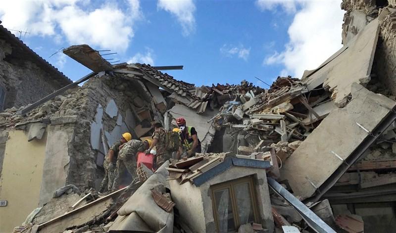 Earthquake,Earthquake in Italy,Italy Earthquake,italy earthquake live,italy earthquake photos,Italy Earthquake pics,Italy Earthquake images,Italy Earthquake pictures,Italy Earthquake stills