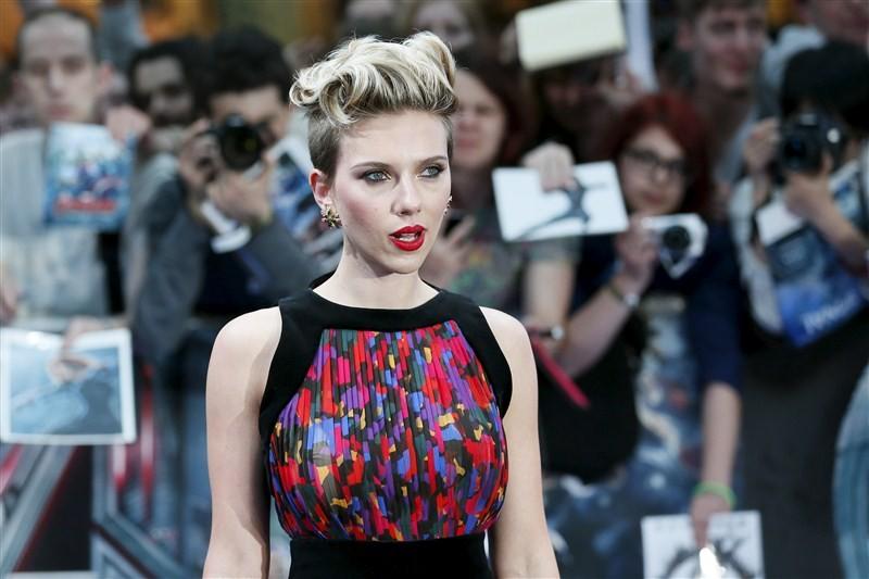 Scarlett Johansson,Deepika Padukone,World's highest-paid actresses,Melissa McCarthy,Scarlett Johansson,Jennifer Aniston,Fan Bingbing,Charlize Theron,Amy Adams,Julia Roberts,Mila Kunis,World highest-paid actresses