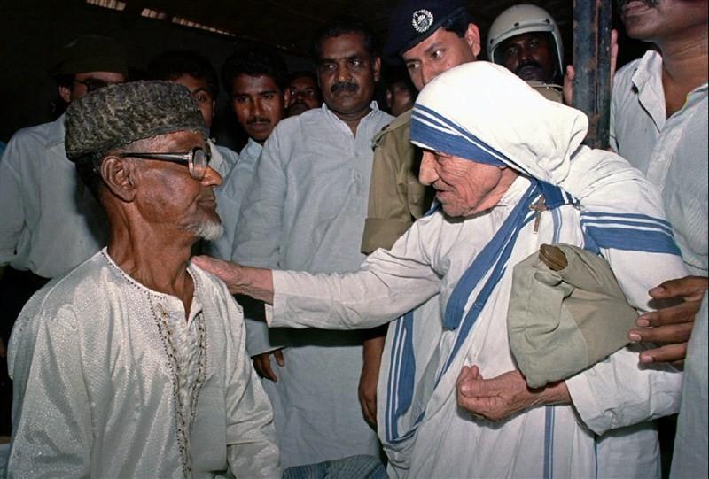 Mother Teresa,Mother Teresa work,Roman Catholic Church,mother teresa sainthood,mother teresa to become saint,Mother Teresa pics,Mother Teresa images,Mother Teresa photos,Mother Teresa stills,Mother Teresa pictures