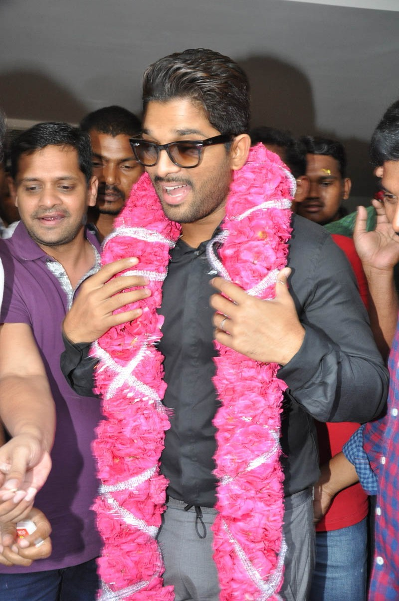 Happy birthday Allu Arjun,happy birthday Allu Arjun(Bunny),Allu Arjun'sbirthday photos,Allu Arjun photo gallery,Rare and Unseen pictures of Allu Arjun,Allu Arjun Latest News,Allu Arjun Latest photos,Actor Allu Arjun,Allu Arjun's 33rd birthday on