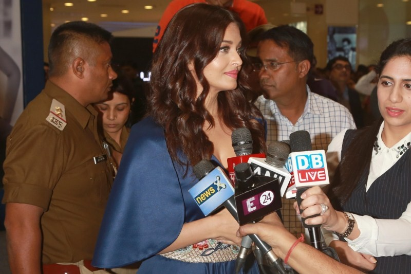 Aishwarya Rai Bachchan,Aishwarya Rai,Aishwarya Rai inauguration of new Longines Boutique,Aishwarya Rai inaugurates new Longines Boutique,Aishwarya Rai inaugurates Longines Boutique,Aishwarya Rai Bachchan pics,Aishwarya Rai Bachchan images,Aishwarya Rai Ba