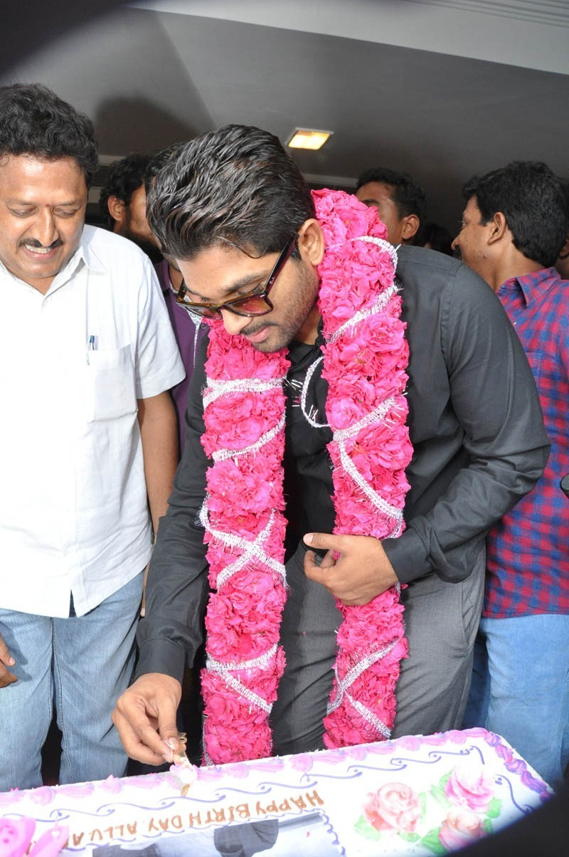Allu Arjun Birthday Celebrations 2015,Allu Arjun Birthday Celebrations,Allu Arjun Birthday,Stylish Star Allu Arjun,Allu Arjun,actor Allu Arjun