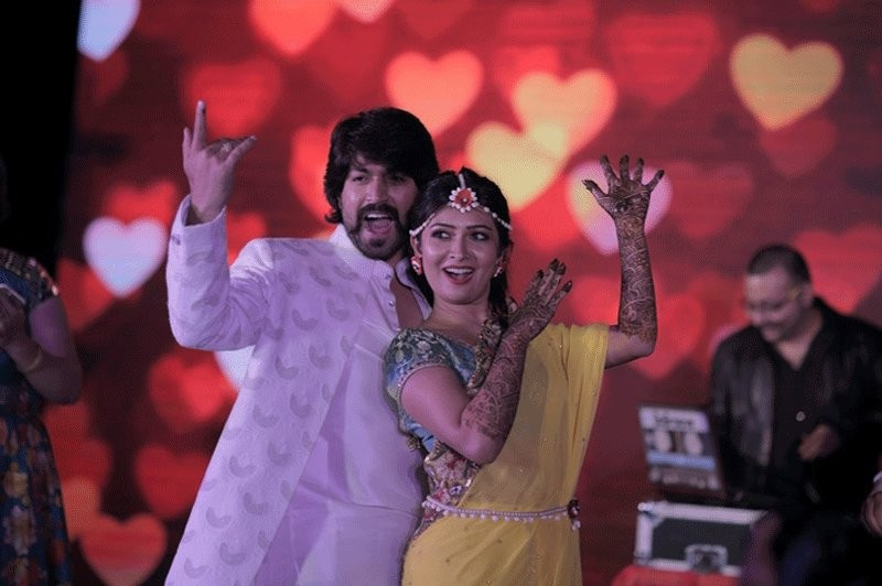 Yash and Radhika Pandit's mehndi ceremony,Yash mehndi ceremony,Radhika Pandit mehndi ceremony,Radhika Pandit,Yash,Yash and Radhika Pandit wedding,Yash and Radhika Pandit marriage,Yash and Radhika Pandit wedding pics,Yash and Radhika Pandit wedding im