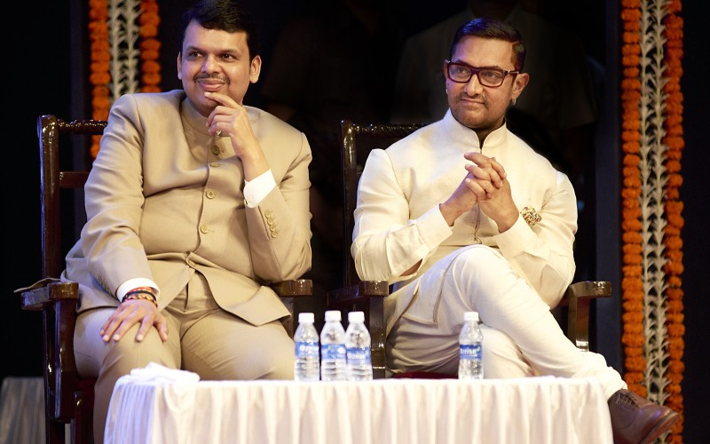 Aamir Khan and Kiran Rao,Aamir Khan,Kiran Rao,Paani Foundation Announces Satyamev Jayate Water Cup,Satyamev Jayate,Satyamev Jayate Water Cup,Satyamev Jayate Water Cup Second Edition