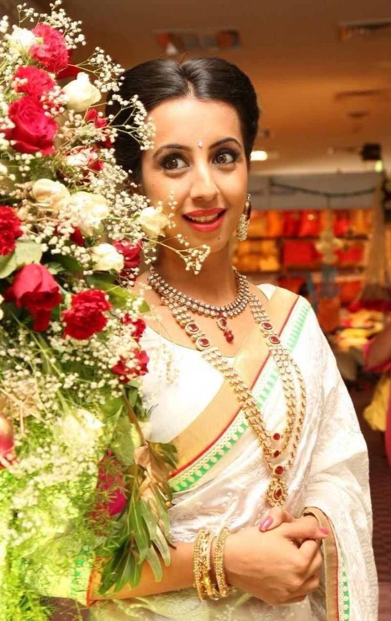 Sanjjanaa Galrani Inaugurates Hi Life Exhibition,Sanjjanaa Galrani,actress Sanjjanaa Galrani,Sanjjanaa Galrani latest pics,Sanjjanaa Galrani latest photos,south indian actress Sanjjanaa Galrani,actress Sanjjanaa Galrani pics