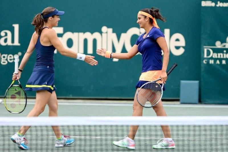 Sania Mirza,Tennis player Sania Mirza,Martina Hingis,tennis player Martina Hingis,sania mizra and Martina Hingis,tennis