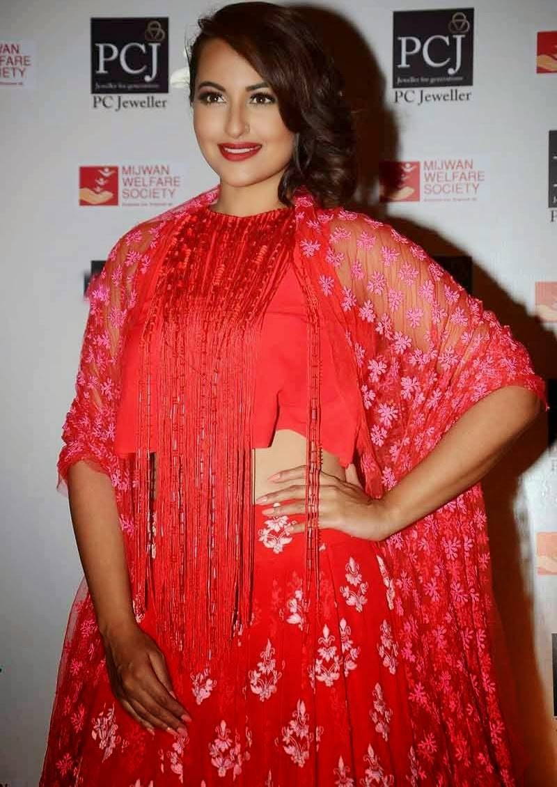 Sonakshi Sinha At Mijwan Red Carpet Event,Sonakshi Sinha,actress Sonakshi Sinha,Sonakshi Sinha latest pics,Sonakshi Sinha pics,Sonakshi Sinha photos,Sonakshi Sinha images,Mijwan Red Carpet,event