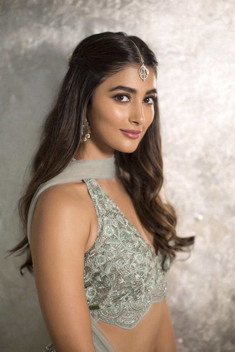 Pooja Hegde,actress Pooja Hegde,Pooja Hegde pics,Pooja Hegde images,Pooja Hegde poster,Pooja Hegde wallpaper,Pooja Hegde hot pics,celebs hot pics,celebs hot images