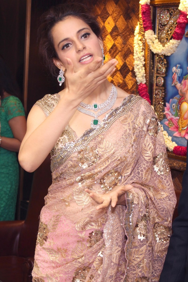 Kangana Ranaut and Dia Mirza Launches Jewellery Show in Delhi,Kangana Ranaut,actress Kangana Ranaut,Kangana Ranaut latest pics,Kangana Ranaut images,Dia Mirza,actress Dia Mirza,Dia Mirza pics,Dia Mirza images,Dia Mirza latest photos