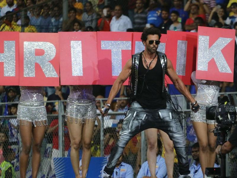 Hrithik Roshan,Hrithik Roshan dance,Hrithik Roshan at IPL,Superstar Hrithik Roshan,IPL,IPL 2018,IPL opening ceremony,IPL opening ceremony pics