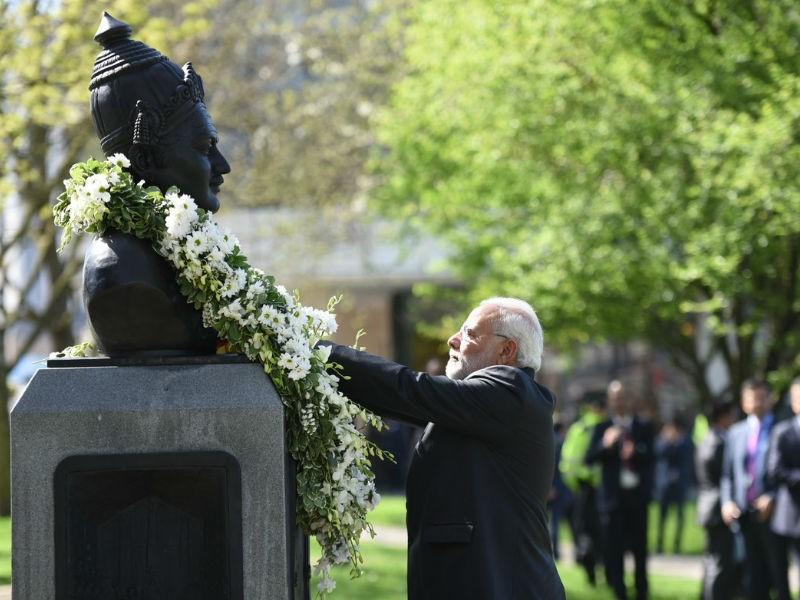 Narendra Modi,Basaveshwara,Modi pays tributes to Basaveshwara,Narendra Modi in London