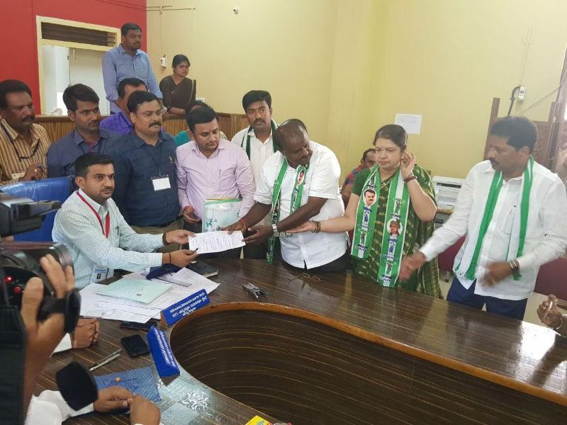 HD Kumaraswamy,B Suresh Gowda,Lakshmi Hebbalkar,Karnataka Assembly polls,election,Karnataka election,Karnataka election 2018,JDS,BJP,Congress