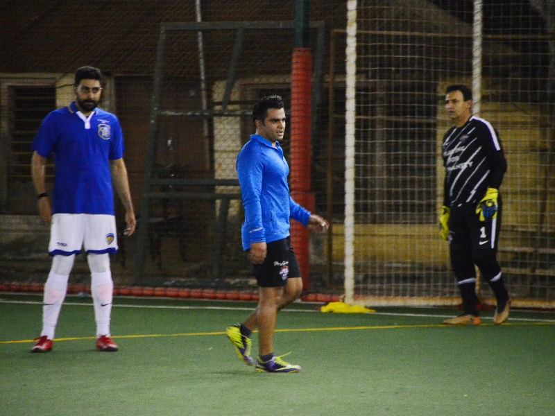 Sachiin Joshi and Abhishek Bachchan,Sachiin Joshi,Abhishek Bachchan,Abhishek Bachchan playing soccer,Abhishek Bachchan playing football,All Stars Football Club,All Stars Football Club pics,All Stars Football Club images