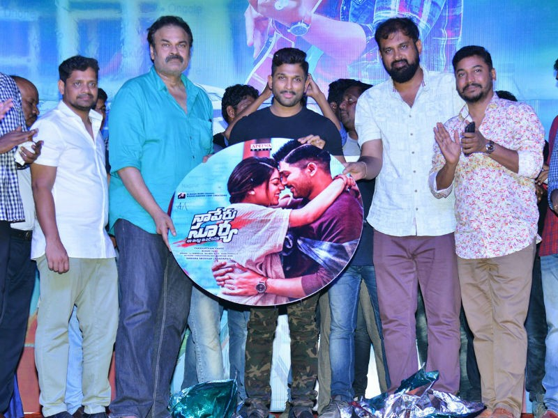 Allu Arjun,Vakkantham Vamsi,Nagababu,Sridhar Lagadapati,Bunny Vasu,Meher Ramesh,Naa Peru Surya Naa Illu India audio launch,Naa Peru Surya Naa Illu India,Naa Peru Surya Naa Illu India audio launch pics,Naa Peru Surya Naa Illu India audio launch images