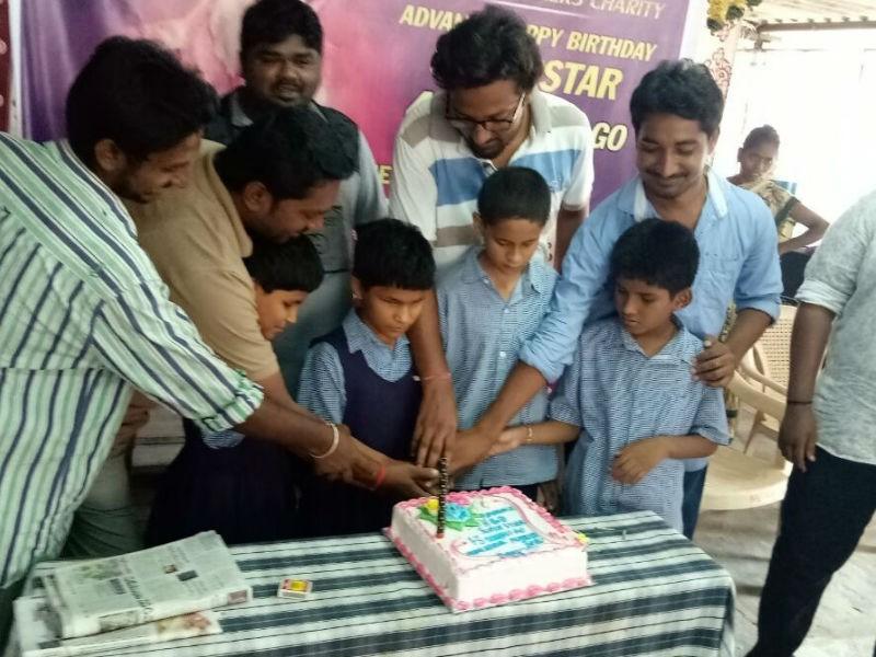 Mahesh Babu,Mahesh Babu birthday,Mahesh Babu birthday celebration,Mahesh Babu birthday celebration pics,Mahesh Babu birthday celebration images,Mahesh Babu birthday celebration stills,SuperStar Mahesh Babu,Bharat Ane Nenu