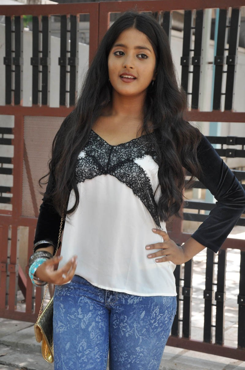 Ulka Gupta,actress Ulka Gupta,Ulka Gupta pics,Ulka Gupta images,Ulka Gupta photos,south indian actress,Ulka Gupta hot pics,hot Ulka Gupta