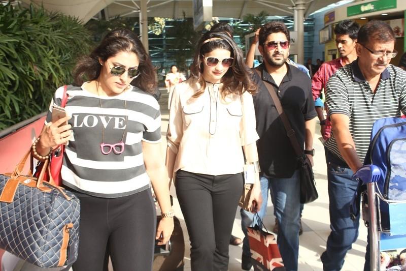 Shraddha Kapoor,Mumbai Indians,IPL,arshad warsi,ileana dcruz,mumbai airport,celebs spotted,photos