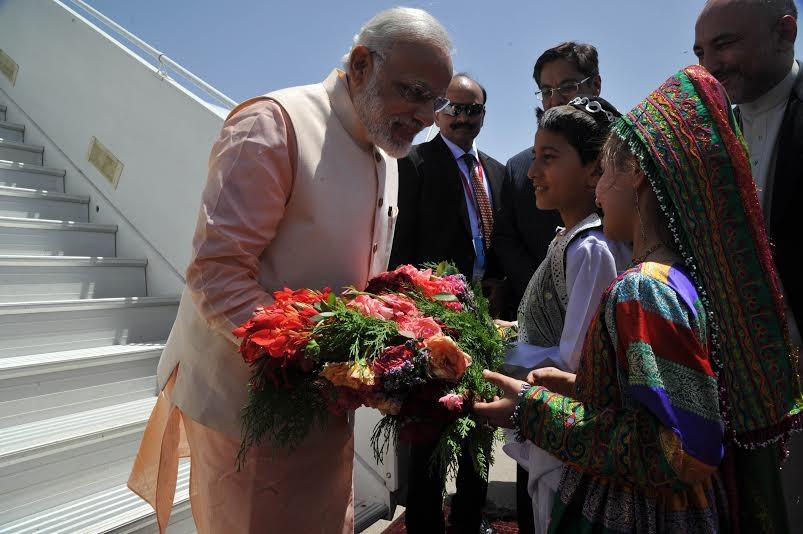 PM Narendra Modi,Narendra Modi,Narendra Modi arrival at Herat,Narendra Modi at Herat,Modi at Herat,Narendra Modi reaches Herat,Narendra Modi at Afghanistan,Narendra Modi reaches Afghanistan,Narendra Modi in Afghanistan,Modi in Afghanistan