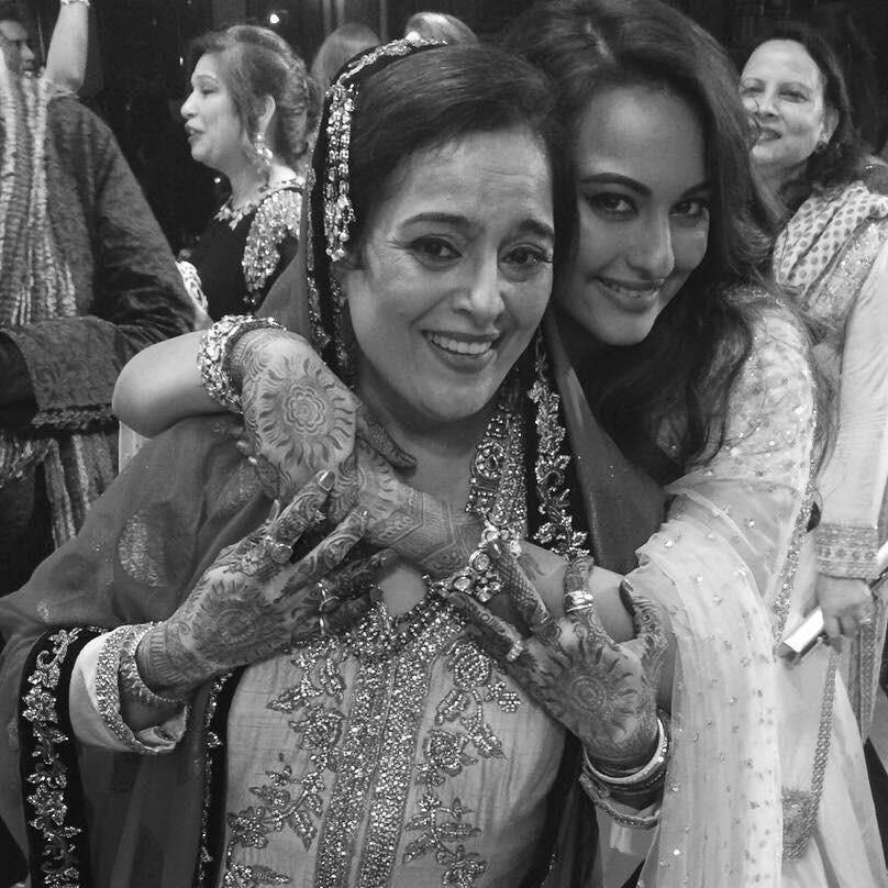 Sonakshi Sinha,Sonakshi Sinha selfies,Sonakshi Sinha photos,Sonakshi Sinha rare and unseen photos