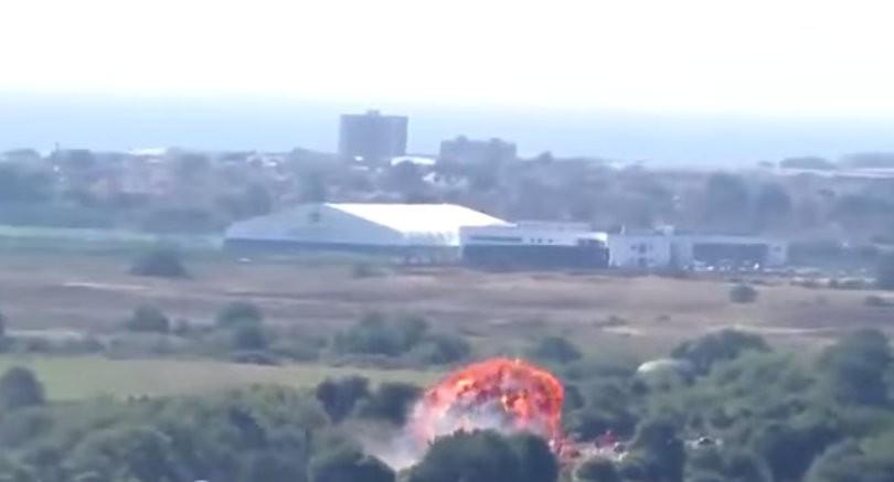 Shoreham Air Show plane crash,military jet crashes at air show,airshow,Hawker Hunter fighter jet,images of shoreham airshow crash,British airshow,crash,plane crash,airshow plane crashes