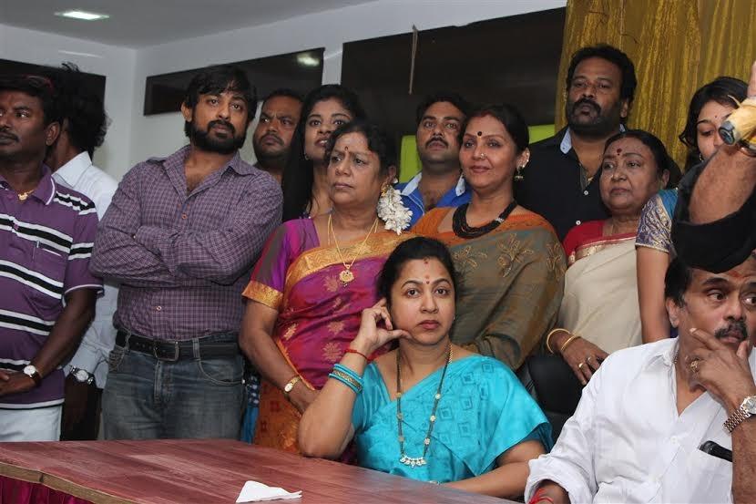 Simbu,actor simbu,Simbu at Nadigar Sangam Election Press Meet,Nadigar Sangam Election Press Meet,Nadigar Sangam Election,Radhika Sarathkumar,Sarathkumar