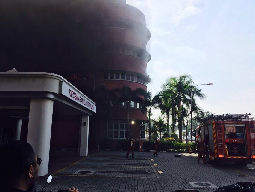 Fire breaks at Sultanah Aminah hospital,Sultanah Aminah hospital,Sultanah Aminah hospital in JB,Fire erupts at JB's Sultanah Aminah hospital,Fire erupts at Sultanah Aminah hospital,JB's Sultanah Aminah hospital