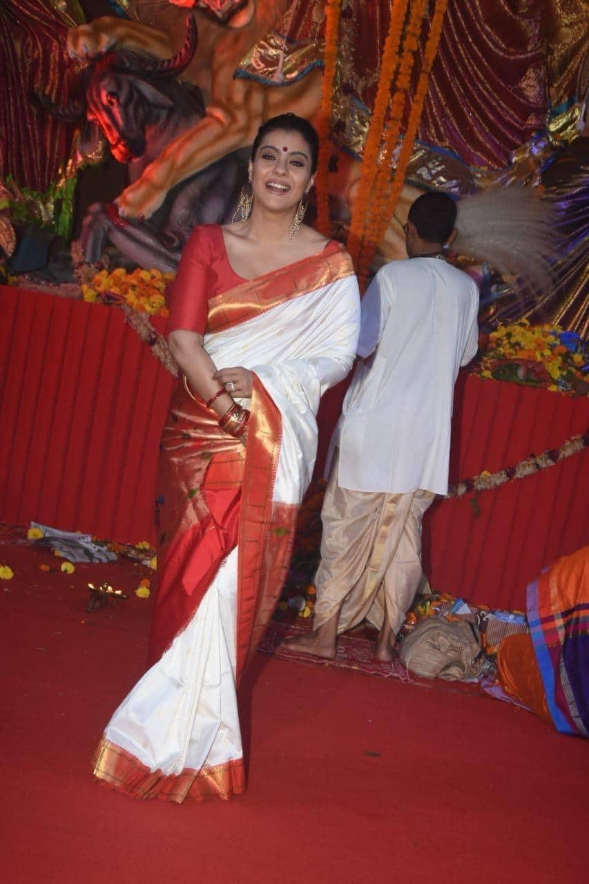 Kajol,actress Kajol,Kajol at Durga Puja,Durga Puja,Durga Puja celebration,Durga Puja celebration pics,Durga Puja celebration images,Durga Puja celebration stills,Durga Puja celebration pictures,Durga Puja celebration photos
