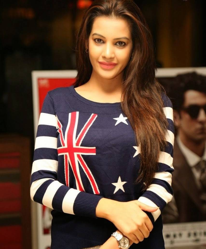 Diksha Panth At 111th Bisket Piku Hindi Movie Screening,Diksha Panth,actress Diksha Panth,Diksha Panth pics,Diksha Panth images,Diksha Panth photos,Diksha Panth stills,Diksha Panth hot pics,hot Diksha Panth,Diksha Panth latest pics,Diksha Panth latest ima