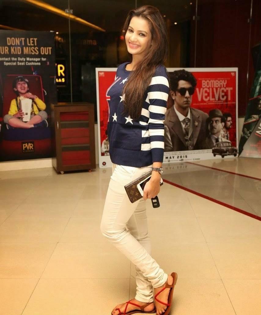 Telugu Actress Diksha Panth At 111th Bisket Piku Hindi Movie Screening