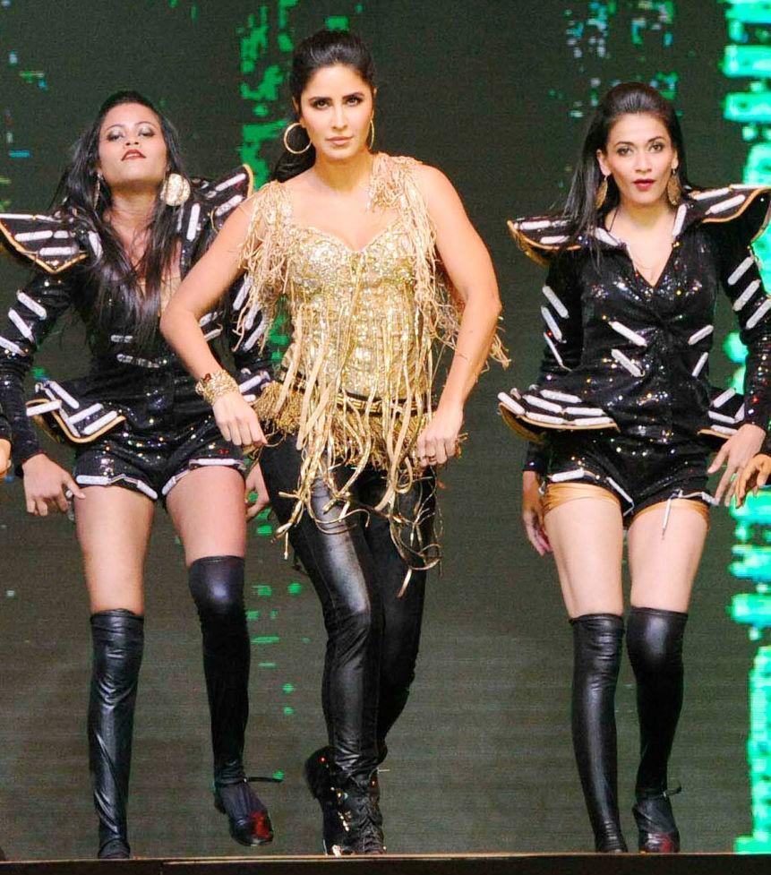 Salman Khan,Katrina Kaif,Sonakshi Sinha,Prabhu Deva,Dabangg Tour,Dabangg Tour in Pune,celebs at Dabangg Tour,Dabangg Tour pics,Dabangg Tour images