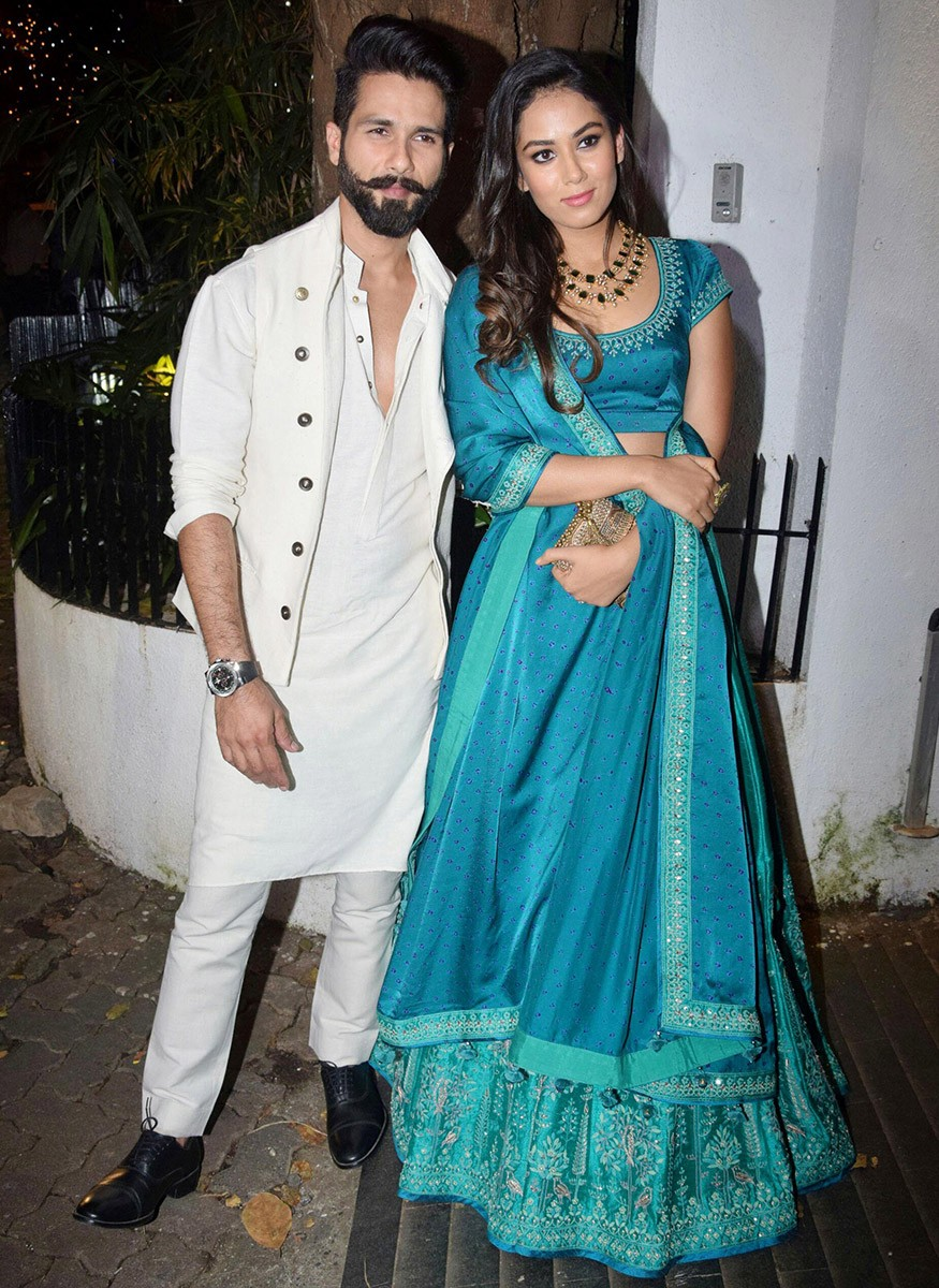 Shahid Kapoor,Mira Rajput,Sonali Bendre,Farah Khan,Aamir Khan Diwali Party,Aamir Khan Diwali Party pics,Aamir Khan Diwali Party images,Aamir Khan Diwali Party stills,Aamir Khan Diwali Party pictures,Aamir Khan Diwali Party photos
