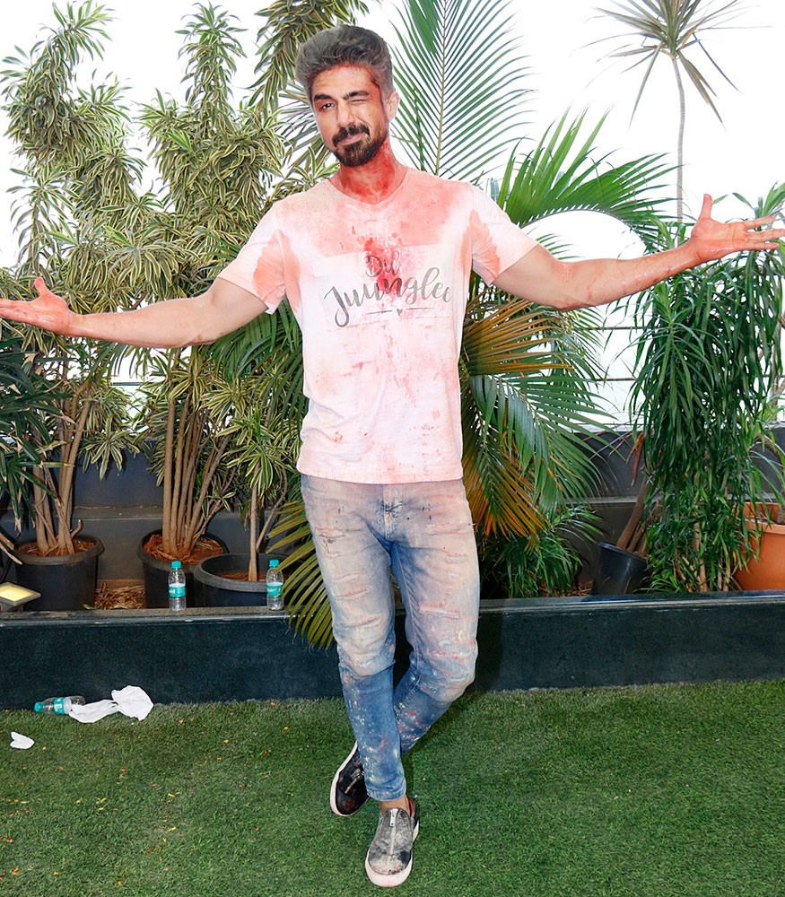 Saqib Saleem and Aleya Sen,Saqib Saleem,Aleya Sen,Dil Juunglee,Dil Juunglee movie,Dil Juunglee cast,holi,holi celebration