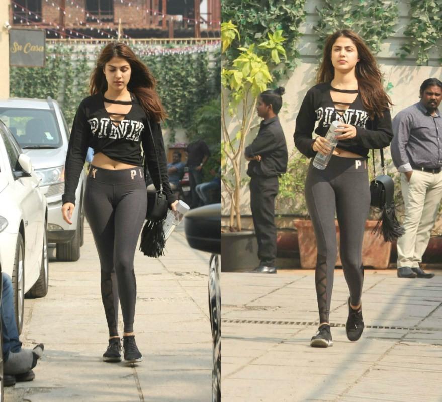 Rhea Chakraborty,actress Rhea Chakraborty,hot Rhea Chakraborty,Rhea Chakraborty spotted at Gym,Rhea Chakraborty at Gym,Rhea Chakraborty work outs