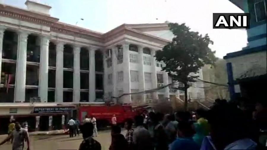 Calcutta Medical College,fire at Calcutta Medical College,Calcutta Medical College fire,Massive fire at Kolkata Hospital,Massive fire at Kolkata Medical College