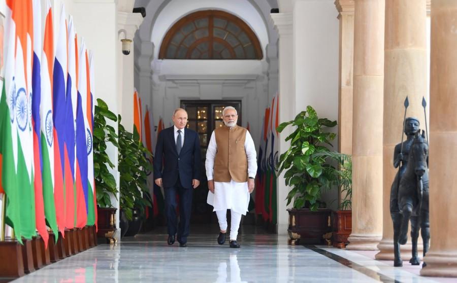 Vladimir Putin meets Narendra Modi,Putin meets Modi,Russian President Vladimir Putin,Vladimir Putin,Prime Minister Narendra Modi,Narendra Modi