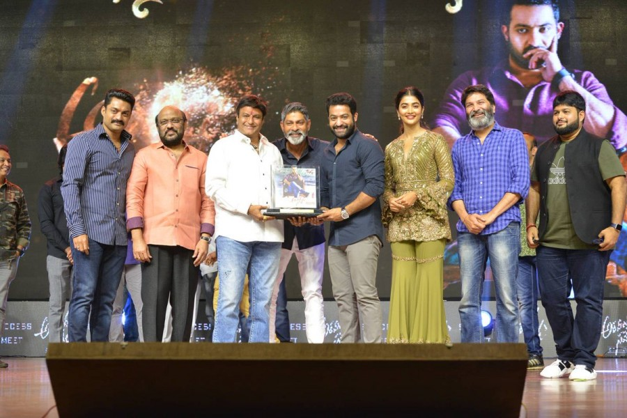Nandamuri Balakrishna,Jr NTR,Kalyan Ram,Pooja Hegde,Jagapathi Babu,Eshwari Rao,Naveen Chandra,Aravindha Sametha,Aravindha Sametha success meet,Aravindha Sametha success meet pics,Aravindha Sametha success meet images,Aravindha Sametha success meet stills