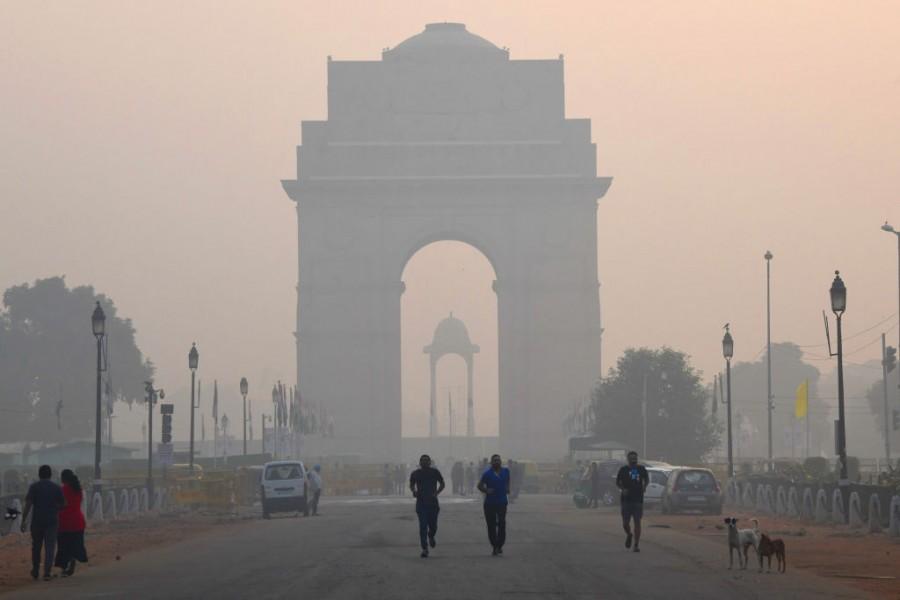 Delhi,New Delhi,Delhi pollution,delhi air pollution,Delhi smog,Delhi Haze,smog in delhi,Delhi air pollution toxic smog Delhi,New Delhi smog