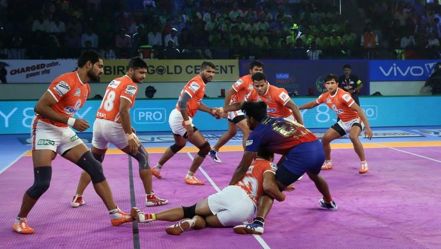 Puneri Paltan defeated Dabang Delhi,Puneri Paltan beats Dabang Delhi,Puneri Paltan,Dabang Delhi,Pro Kabaddi League,Pro Kabaddi League season 6,Pro Kabaddi League 2018,Pro Kabaddi League pics,Pro Kabaddi League images,Pro Kabaddi League stills